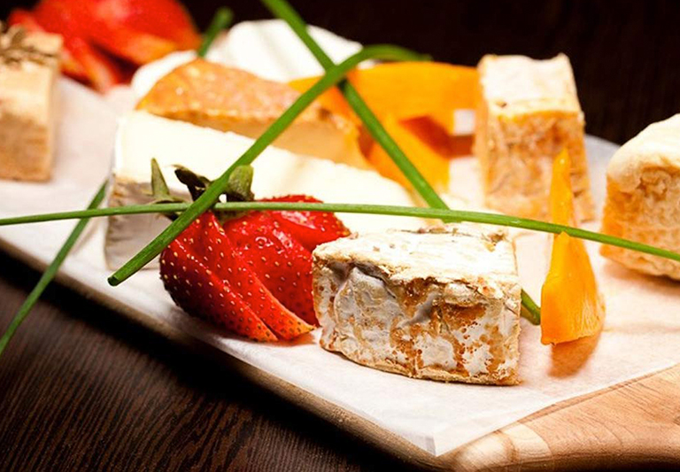 Fromagere Plate